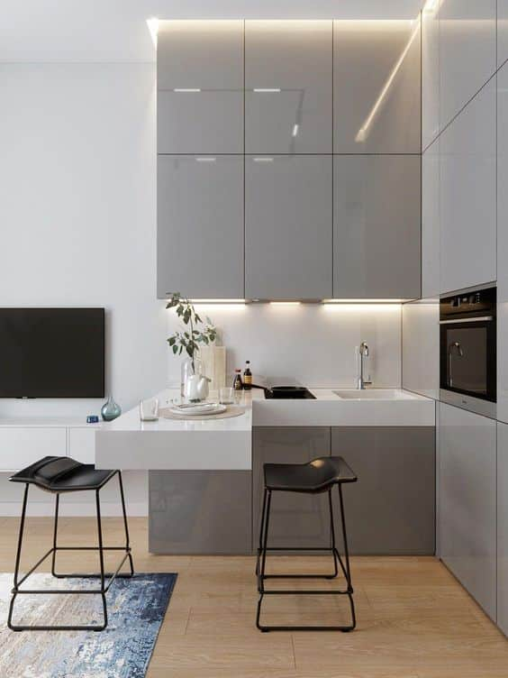 Equip a small kitchen in your small rolling house