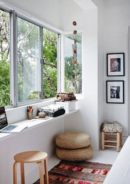 organize an office corner in your tiny house
